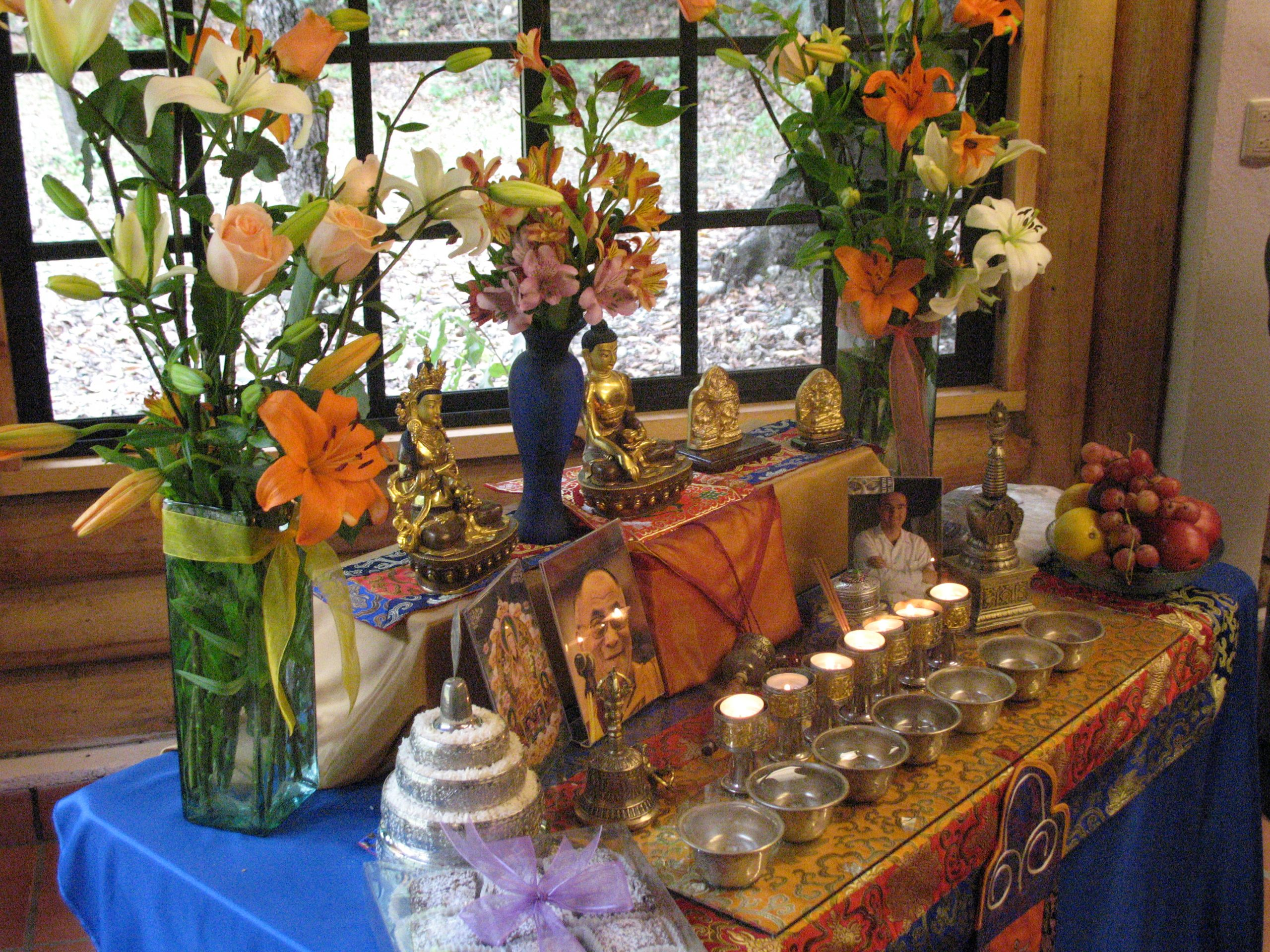 como poner un altar budista